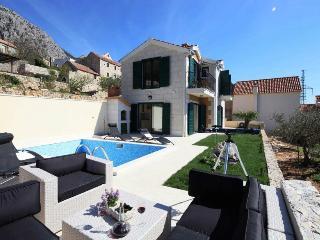 Općina Makarska Holiday Apartment BL********** - Bratus vacation rentals