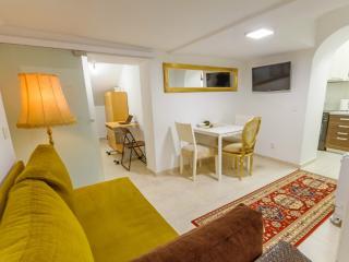 Beograd Holiday Apartment BL********** - Belgrade vacation rentals