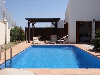 Beautiful 3 bedroom Villa in Banos y Mendigo with Washing Machine - Banos y Mendigo vacation rentals