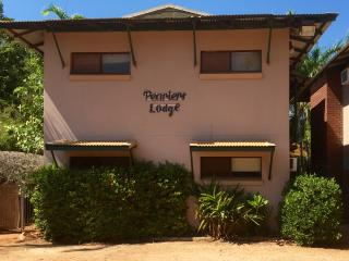 Best Value 2 bed unit in Broome. Pearler's Lodge - Broome vacation rentals