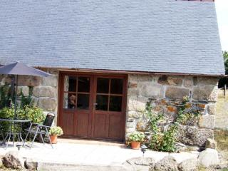 Goas Teriot Cottage with beautiful views - Mael-Carhaix vacation rentals