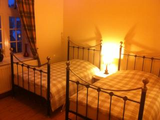 Bank House Self Catering Guest Rooms Duns - Duns vacation rentals