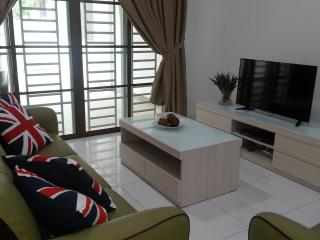 Comfy, Safe & Family Friendly House - Senai vacation rentals
