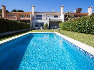 Delightful villa on the Costa Dorada, just 100 meters from the beach - Costa Dorada vacation rentals