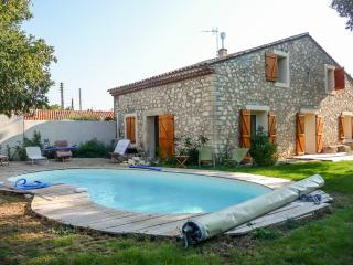 Large farmhouse with swimming pool - Gignac vacation rentals