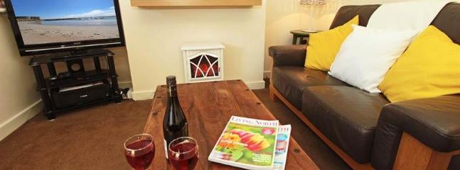 Nice 2 bedroom Beadnell House with Dishwasher - Beadnell vacation rentals