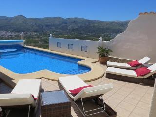 Villa Vista, pool, aircon, wifi and stunning views - Pego vacation rentals