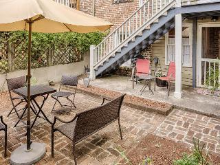 Romantic retreat w/ fireplace, close to Forsyth Park & the Historic District - Savannah vacation rentals