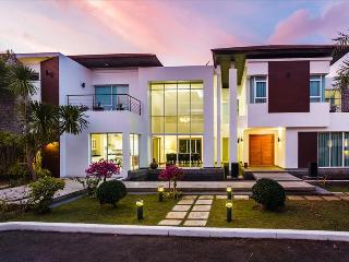 Private pool & 5 bedrooms Luxury villa in Kamala! - Kamala vacation rentals