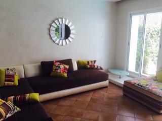 CHARMANTE VILLA 250m2 + PISCINE A DAR BOUAZZA CASA - Colorno vacation rentals