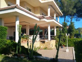 Luxury Villa in La Mora Beach with Pool, Tarragona - Tarragona vacation rentals