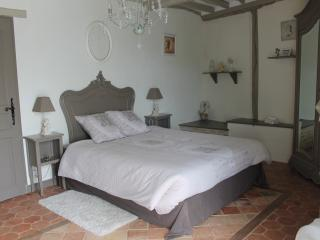 Charming Bed and Breakfast with Central Heating and Television in Ryes - Ryes vacation rentals
