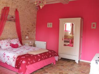 Chambres d'Hôtes Le Chant Des Oiseaux - Ryes vacation rentals