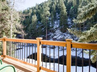 Cozy House with Deck and Internet Access - Estes Park vacation rentals