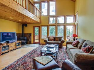 Dog-friendly home w/ shared hot tub & pool, easy access to beach & ski! - Truckee vacation rentals