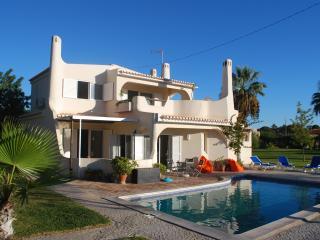 Villa typique du algarve avec piscine privée - Almancil vacation rentals