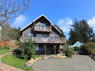 Delightful home w/ ocean view & private hot tub - just three blocks to beach - Yachats vacation rentals