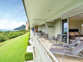 3 bedroom Condo with A/C in Hamilton Island - Hamilton Island vacation rentals