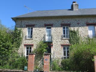 La Maison du Jardin.  Charming and spacious country house, close to village - Peyrat-le-Chateau vacation rentals
