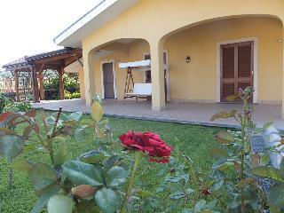 AL CASTAGNETO camera in villa per due persone - Puntalazzo vacation rentals