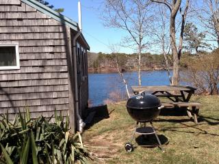 Eastham waterfront cottage on pond - Eastham vacation rentals