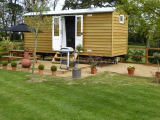 Barleywood Shepherds Hut South Creake Norfolk - South Creake vacation rentals