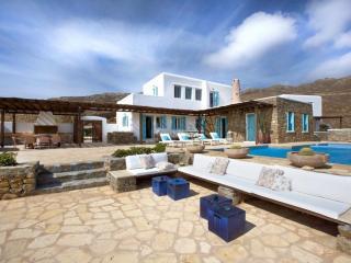 Comfortable 5 bedroom Panormos Villa with Internet Access - Panormos vacation rentals