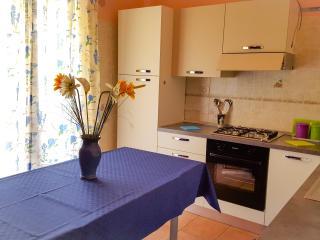 CASA VACANZE nuovissima,vicino mare - Milazzo vacation rentals