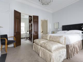 onefinestay - Walton Street III apartment - London vacation rentals