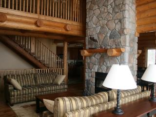 Mont Tremblant Blueberry Lake 6 bedroom 4 bathroom chalet - Labelle vacation rentals