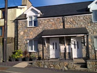 Ty Huw Llwyd - Llan Ffestiniog Cottage - Llan Ffestiniog vacation rentals