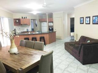 Anaheim Lodge Deluxe | Sleeps 16 | Pool Table WiFi - Upper Coomera vacation rentals