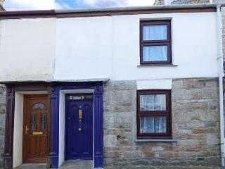 CHY EWN, central location, woodburner, lawned garden, in St Columb Major, Ref 937385 - Saint Columb Major vacation rentals