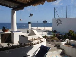 Liù large two levels apartment with beautiful view - Stromboli vacation rentals