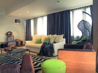 Spacious 4 bedroom Penthouse in Jakarta - Jakarta vacation rentals