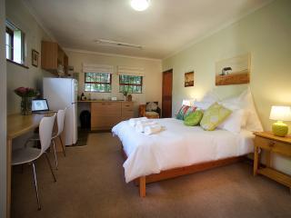 Stellenbosch Gardens Protea Cottage - Stellenbosch vacation rentals