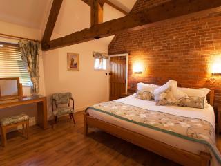Romantic 1 bedroom Barn in Kidderminster - Kidderminster vacation rentals