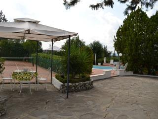 Nice Condo with Internet Access and A/C - Montespertoli vacation rentals