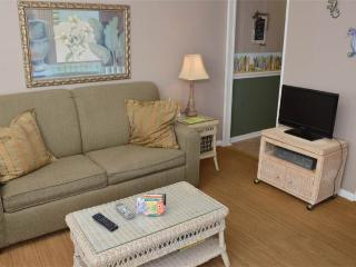 Wonderful 1 bedroom Apartment in Atlantic Beach - Atlantic Beach vacation rentals