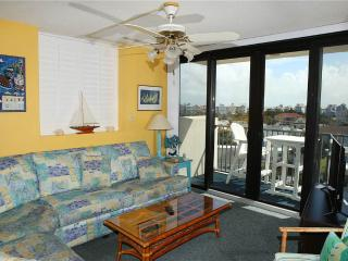 Bright 3 bedroom Atlantic Beach Condo with Internet Access - Atlantic Beach vacation rentals