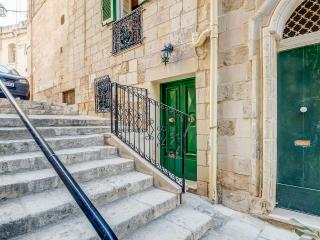 Nice 1 bedroom Senglea House with Internet Access - Senglea vacation rentals