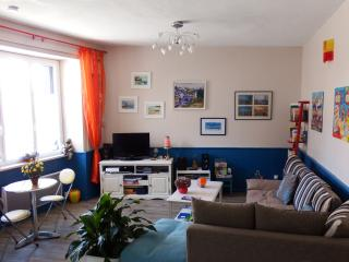 Nice Townhouse with Internet Access and Satellite Or Cable TV - La Roche Derrien vacation rentals
