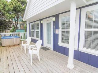 1930s Charm Two Blocks from the Beach with Separate Living Area, Hot Tub! - Lincoln City vacation rentals