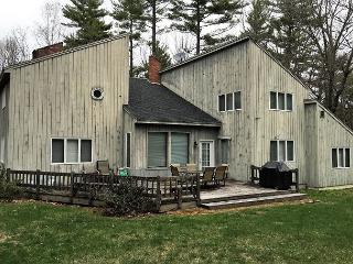 3BR House in Birch Hill-Cable,WiFi,Fire Pit,Game Room w/ Pool Table & Darts! - North Conway vacation rentals