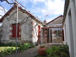 Maison fourasine avec jardin, plage Sud - Fouras vacation rentals