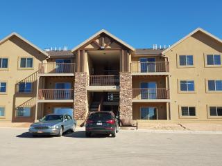 New 3 bedroom, 2 bath condo in Moab - sleeps 10! - Moab vacation rentals