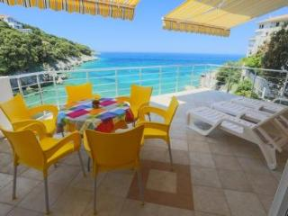 "Apartment ""Breeze"" Beachfront Villa - Utjeha vacation rentals"