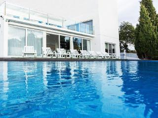 Magnificent moutains and sea view villa - Faro vacation rentals