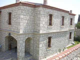 Bright 4 bedroom Vacation Rental in Alacati - Alacati vacation rentals