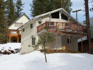 Charming Arrowbear Cabin House - Running Springs vacation rentals